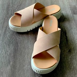 Mia Lia Platform Sandal